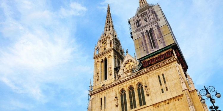 Zagreb Cathedral S Spire Damaged In Major Earthquake Stand For Christians